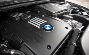 2012BMW_3-series-engine