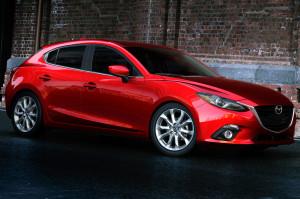 2014-Mazda3-hatchback-side-front-view2