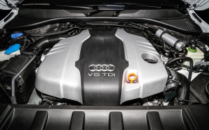 2014-Audi-Q7-TDI-engine