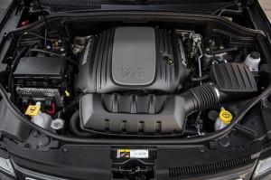 2014-Jeep-Grand-Cherokee-V8-Overland-engine