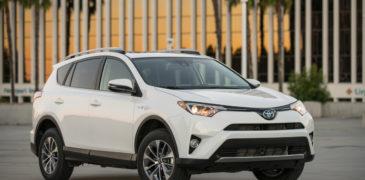 The 2017 Toyota Rav-4 XLE AWD Gets It!